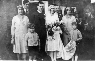 Wedding group 1927