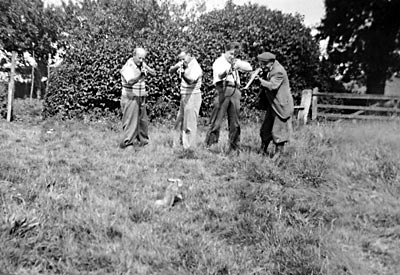 Cecil Baxter and brothers at Mannington August 1939