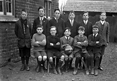 1922 School football team