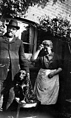 James & Alice (née Waterson) Baxter c.1922